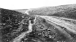 Valley of the Shadow of Death (Roger Fenton) - Valley of the Shadow of Death, with no cannonballs on the road
