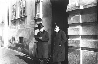 Greek–Serbian Alliance of 1913 - Venizelos and the Greek ambassador to Serbia, I. Alexandropoulos, leaving the Serbian Foreign Ministry