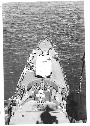 Rudderow-class destroyer escort - Image: View forward from mast of USS Chaffee (DE 230)
