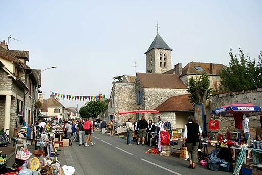 Villiers-en-Désoeuvre - Grande rue01