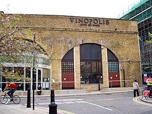 Vinopolis - View of Vinopolis from Park Street.