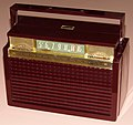 Vintage Westinghouse Portable Radio, Model H-422P4 (Maroon), Battery & AC Operation, Broadcast Band Only (MW), 4 Tubes, Circa 1954 (14836264744).jpg