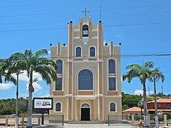 Vista da Igreja Matriz de São Pedro, Baixo Guandu ES.jpg
