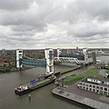 Vogelvluchtperspectief van de stormvloedkering in de Hollandse IJssel - Krimpen aan den IJssel - 20398124 - RCE.jpg