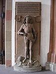 Würzburg - Marienkapelle, unbekannte männliche Figur rechts des Portals.jpg