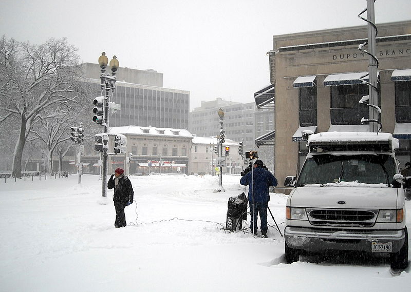 File:WJLA on-the-scene reporting - Blizzard of 2010.JPG