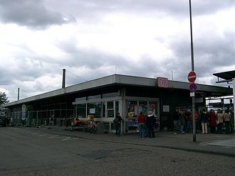 Wiesloch-Walldorf station - Image: Walldorf Wiesloch Bahnhof 20070516