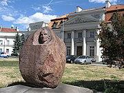 Pomnik Stanisława Staszica przed pałacem