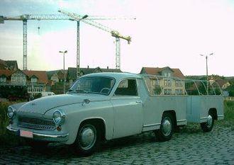 Wartburg 311 - Image: Wartburg Schnelltransporter mit Anhänger 5