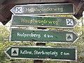 Wegweiser zwischen Kelbra und Kyffhaeuser (Kulpenberg 2,0 km).jpg