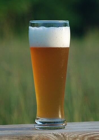 English: wheat beer Deutsch: Weizenbier