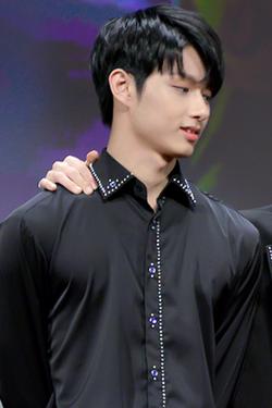 Wen Junhui at an fansign on January 21, 2017.png