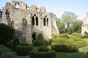Wenlock Priory - Image: Wenlock Priory 3