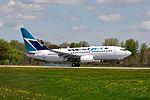Westjet 737-700 C-GWSP (5751529815) (2).jpg