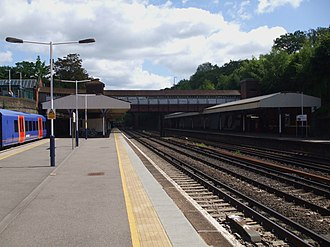 Weybridge railway station - Image: Weybridge station eastbound look east 2