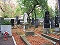 Záběhlický hřbitov, socha Ježíše.jpg