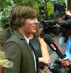 English: Zac Efron Arrives at Tiff '08 Premier...