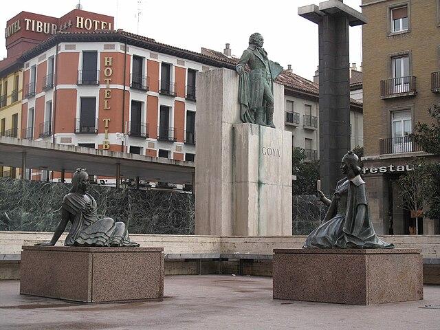 Памятник Гойе в Сарагосе