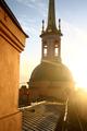 Башня дворцовой церкви в лучах солнца (Михайловский замок).png