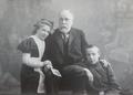 Орест Габель з дітьми Маргаритою та Юрієм.png