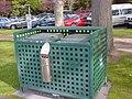 メルボルンヤラ川付近の公園のゴミ箱 - panoramio.jpg
