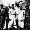 俞大維部長(右第二人起)、竇亦樂將軍、王叔銘將軍、藍欽大使,昨巡視馬祖地區防務,與前線戰士合影.png