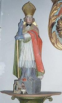 033 Châteaulin Eglise Saint-Idunet statue.JPG