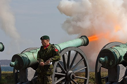 Cannon fire from 12 pound 1760s cannon 12 pound Cannon Fire at Kronborg.jpg