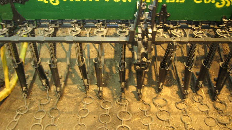 1902 Monitor seed drill detail
