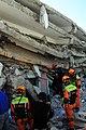 2010년 중앙119구조단 아이티 지진 국제출동100118 중앙은행 수색재개 및 기숙사 수색활동 (231).jpg