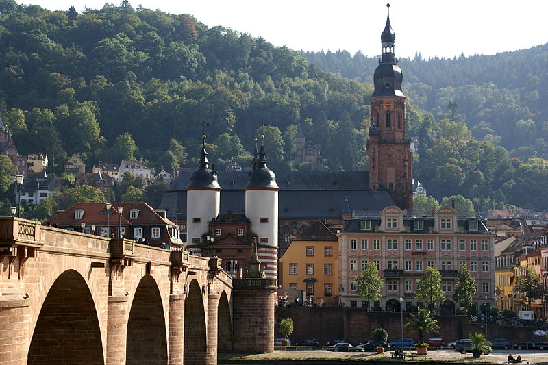 2013.10.01.111339 Alte Br%C3%BCcke Heiliggeistkirche View City Heidelberg.jpg