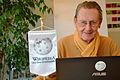 2015-02-24 Johann-Tönjes Cassens im Wikipedia-Büro Hannover zum Evangeliar Heinrichs des Löwen.JPG