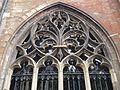 2016-Maastricht, St-Servaasbasiliek, Pandhof, westelijke kloostergang, raam 7a.jpg