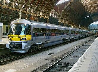 Heathrow Express - 332005 at Paddington