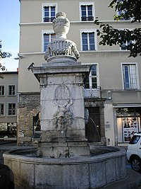 38544 Fontaines Mairie 2.jpg