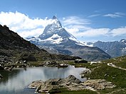 3958 - Gornergrat - Matterhorn and Riffelsee.JPG