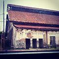 A dilapidated house in pekalongan.jpg