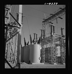 A veritable forest of transmission towers and transformers 8b08237v.jpg
