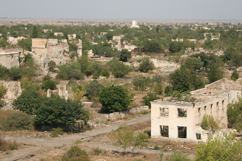 http://upload.wikimedia.org/wikipedia/commons/thumb/7/74/Agdam-nagorno-karabakh-3.jpg/800px-Agdam-nagorno-karabakh-3.jpg