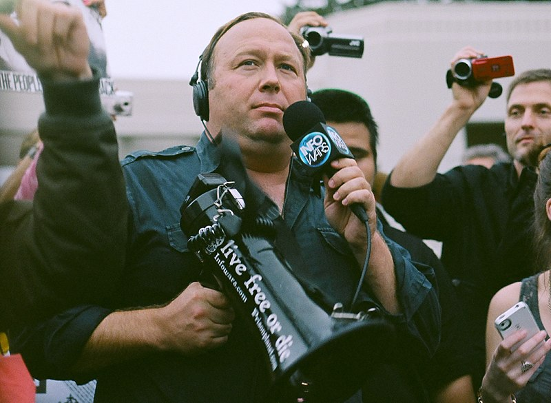 File:Alex Jones (12844952283).jpg