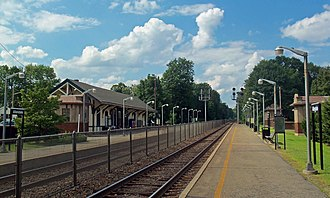 Allendale, New Jersey - The Allendale New Jersey Transit Station is served by both Main Line and Bergen County Line trains.