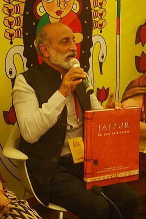 Aman Nath - Aman Nath with his book Jaipur: The last Destination