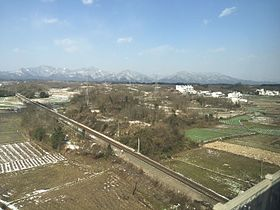 Anhui-Jiangxi Railway near Huangshan North Railway Station (20160124120053).jpg