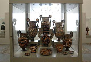 Apulische Bildervasen für eine Totenfeier