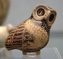 LA CHOUETTE, L'OISEAU LUNAIRE dans CHOUETTE ET HIBOU 220px-Aryballos_owl_630_BC_Staatliche_Antikensammlungen