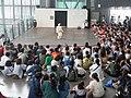 Asimo-Vorführung Miraikan.jpg