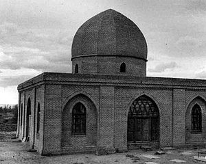 Baba Tahir - Old mausoleum of Baba Tahir in Hamadan