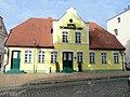 Bad Doberan Alexandrinenplatz 4 Baudenkmal 2011-08-30.jpg