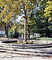 Bad Rothenfelde, Brunnen vor dem Kurpark.JPG