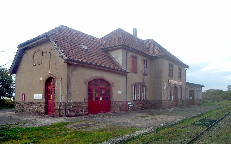 Railway Station, track-side, at Hombourg-Budange, France